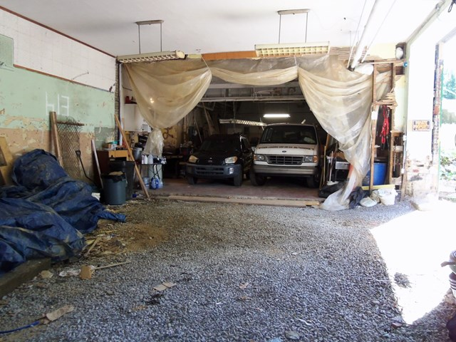 Garage on Hoge St